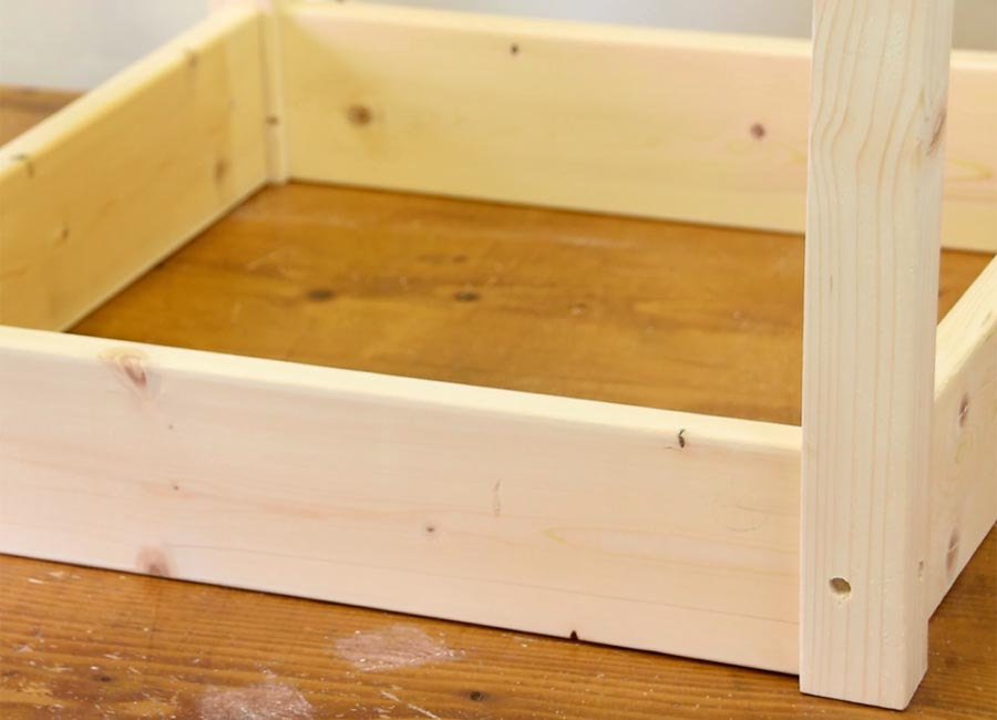 幕板と脚の組立